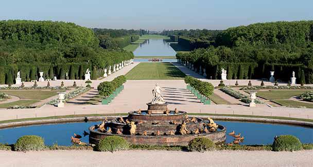 Les Jardins Du Chateau De Versailles Paris For The Holidays
